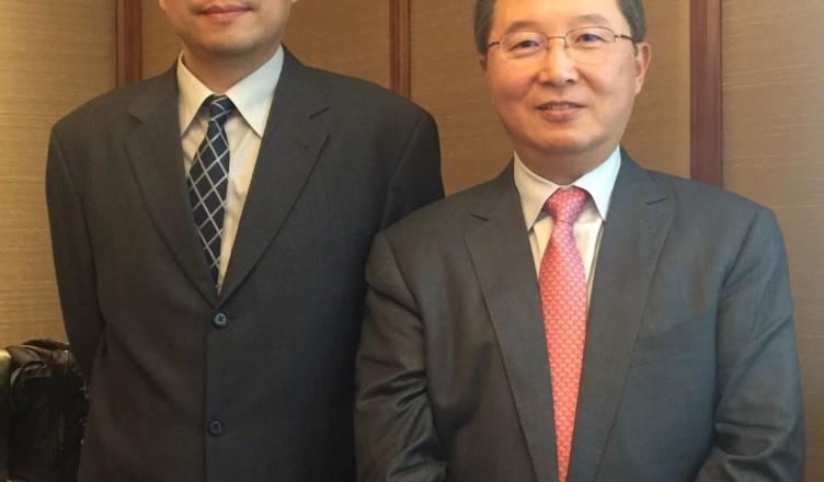 右為漢達董事長劉芳宇、左為總經理宋國峻